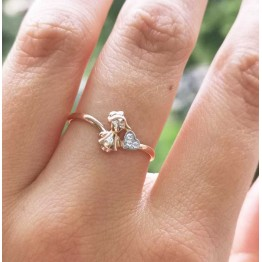 Кольцо с девочкой золотое