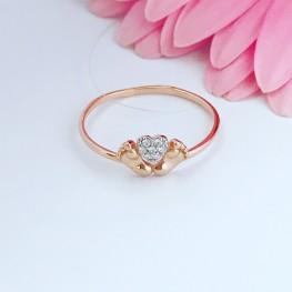 Золотое кольцо с маленькими пяточками